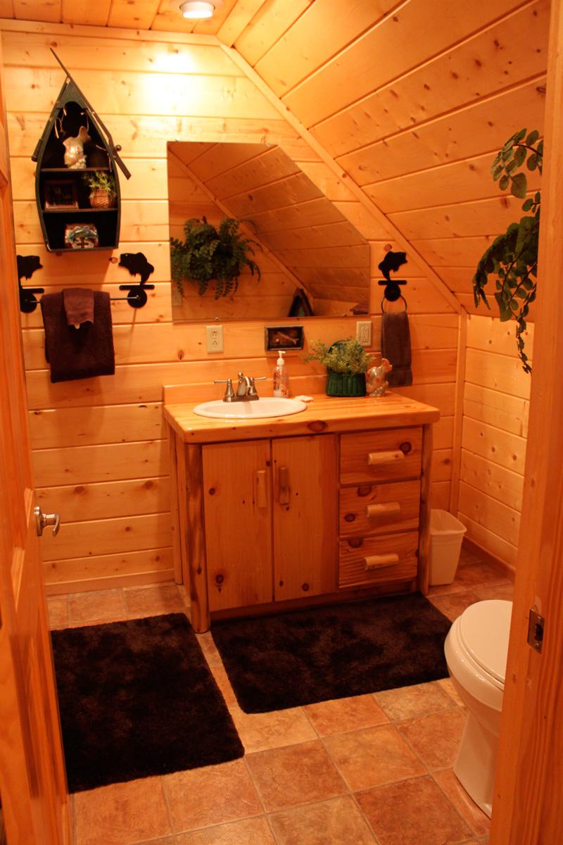 King-Suite---Fish-Bathroom