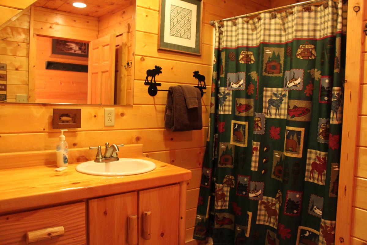 King-Suite---Moose-Bathroom