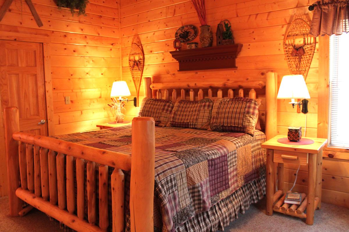 King-Suite---Moose-Room-(2)